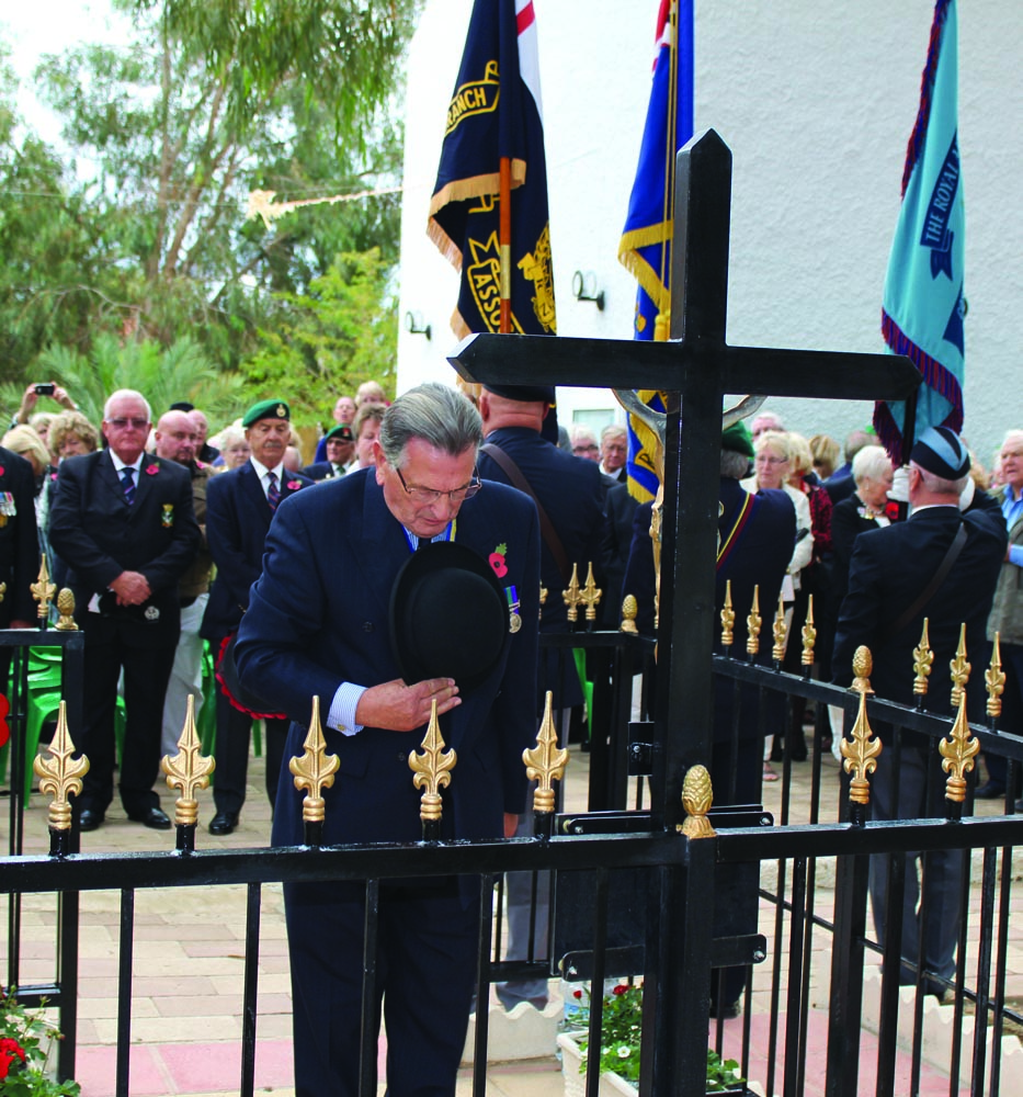 Chairman of Spain North Nigel Hails laying a wreath at the Orihuela Costa Service