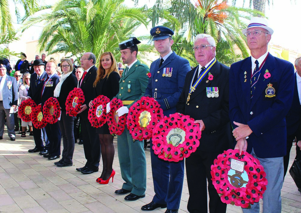 Wreaths were laid by many service associations, politicians, members of the Armed Forces and Guardia Civil